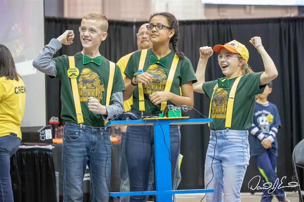 Lakeview Robotics Programs Earn Competitive FIRST Robotics Grants