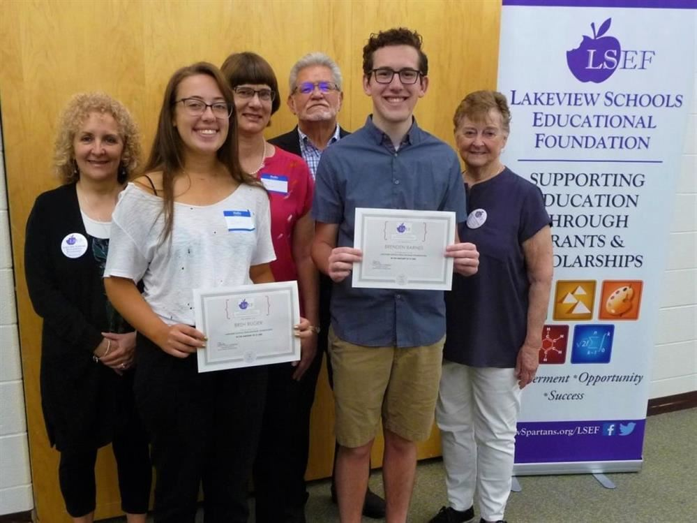 LSEF RECEPTION HONORS STUDENTS AND DONORS